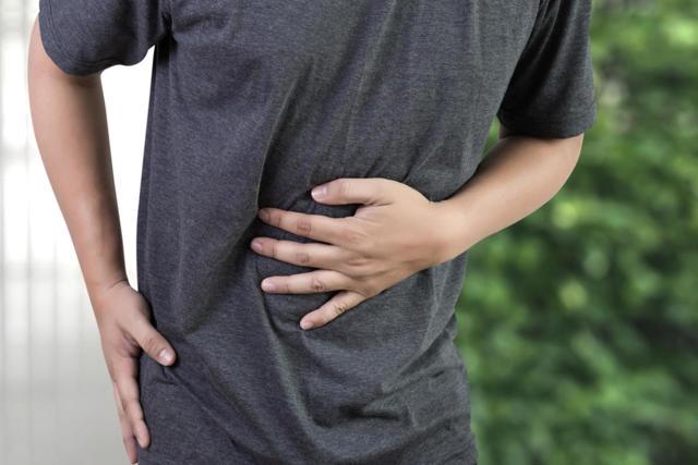 Боли в животе: возможные причины, диагностика и первая помощь