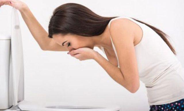 Энтерит у взрослых: симптомы и лечение (первая помощь, питание, препараты)
