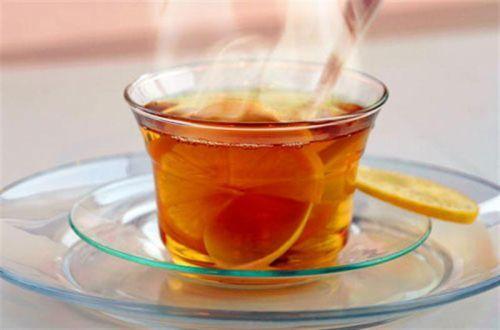 Можно ли пить горячий чай и как это влияет на здоровье?