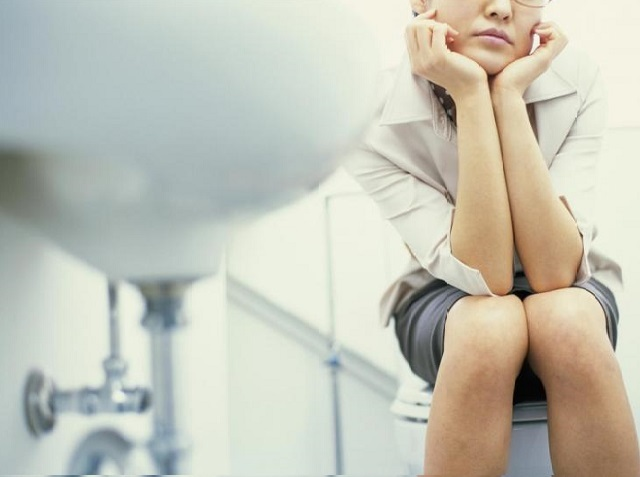 Вредно ли долго сидеть на унитазе – ответ на вопрос