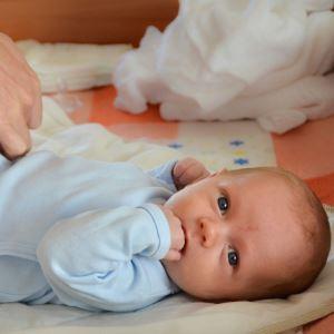 Газоотводная трубка для новорожденных: инструкция по пользованию