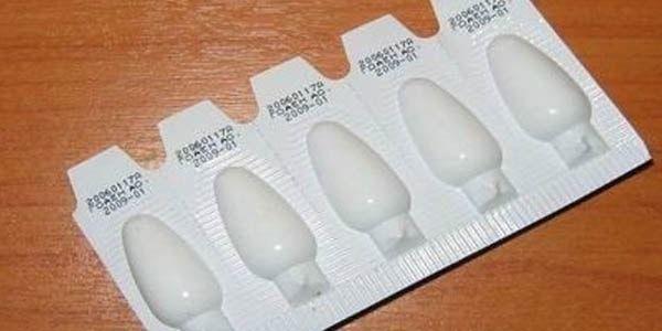 Слабительные свечи при запорах у взрослых: список препаратов и их применение