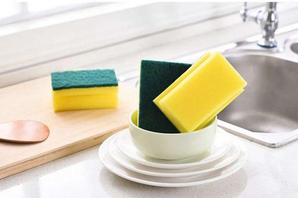 Губки для мытья посуды: чем они опасны для здоровья?