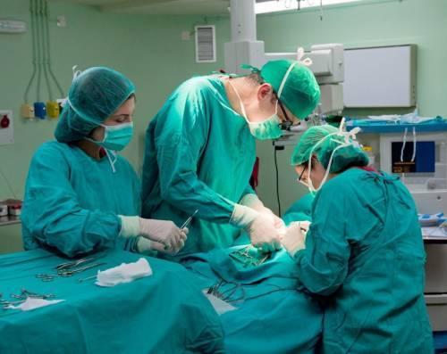 Парез кишечника (в т. ч. послеоперационный): симптомы и лечение патологии
